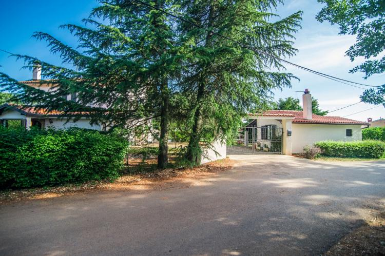 VakantiehuisKroatië - Istrië: Apartment Doris with Private Pool and large Garden  [35]
