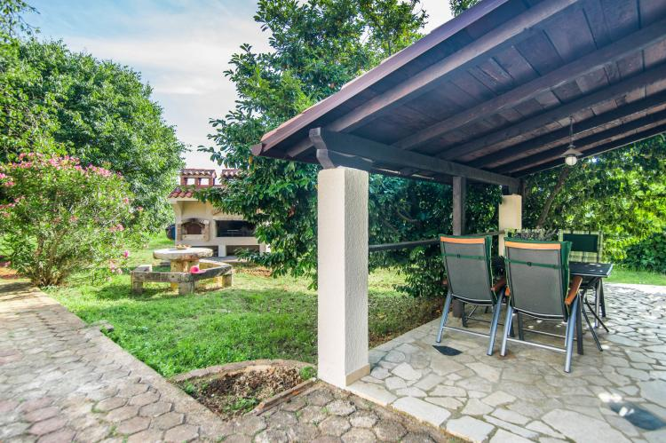 VakantiehuisKroatië - Istrië: Apartment Doris with Private Pool and large Garden  [25]