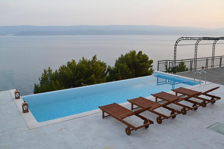 Holiday homeCroatia - Central Dalmatia: Shared pool apartment David- second floor  [6]