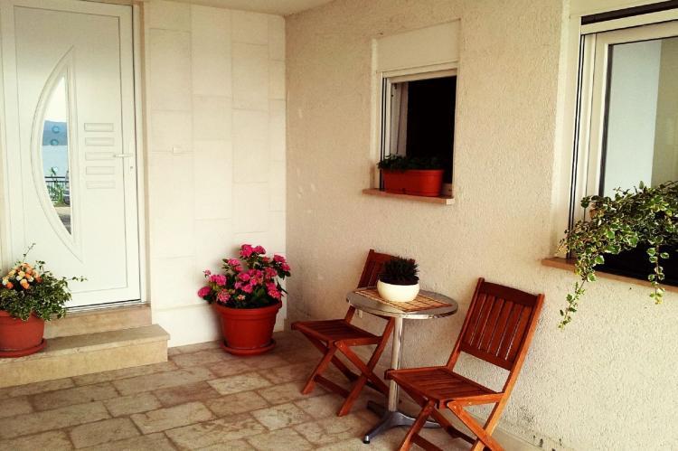 Holiday homeCroatia - Central Dalmatia: Shared pool apartment David- second floor  [12]