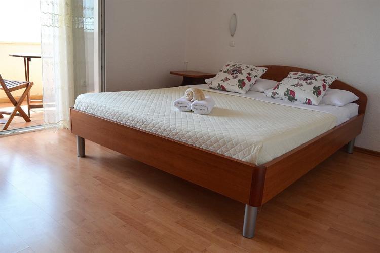 Holiday homeCroatia - Central Dalmatia: Shared pool apartment David- second floor  [15]