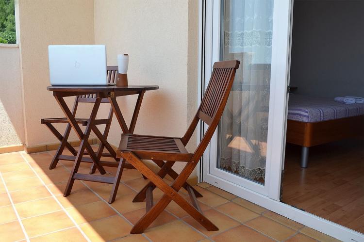 Holiday homeCroatia - Central Dalmatia: Shared pool apartment David- second floor  [4]
