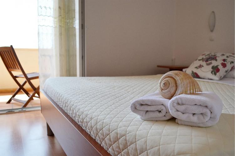 Holiday homeCroatia - Central Dalmatia: Shared pool apartment David- second floor  [7]