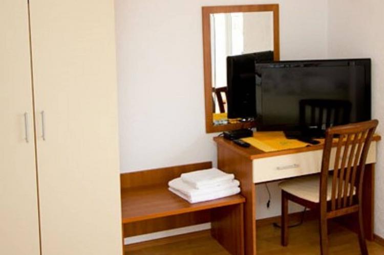 Holiday homeCroatia - Central Dalmatia: Shared pool apartment David- second floor  [2]