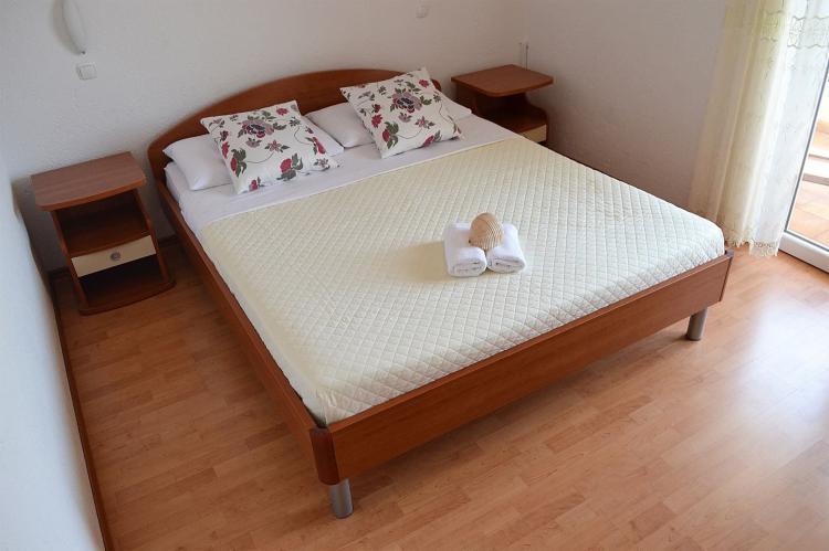 Holiday homeCroatia - Central Dalmatia: Shared pool apartment David- second floor  [14]