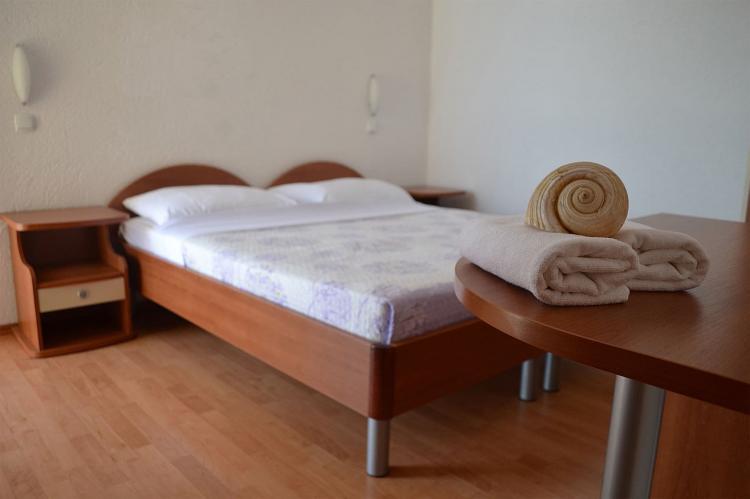 Holiday homeCroatia - Central Dalmatia: Shared pool apartment David- second floor  [3]