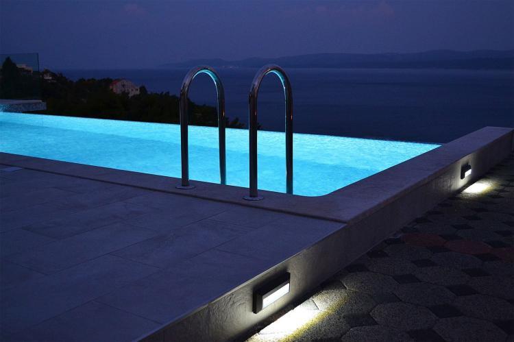 Holiday homeCroatia - Central Dalmatia: Shared pool apartment David- second floor  [1]