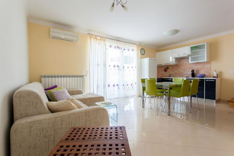 Holiday homeCroatia - Kvarner: Apartment Svalina  [3]