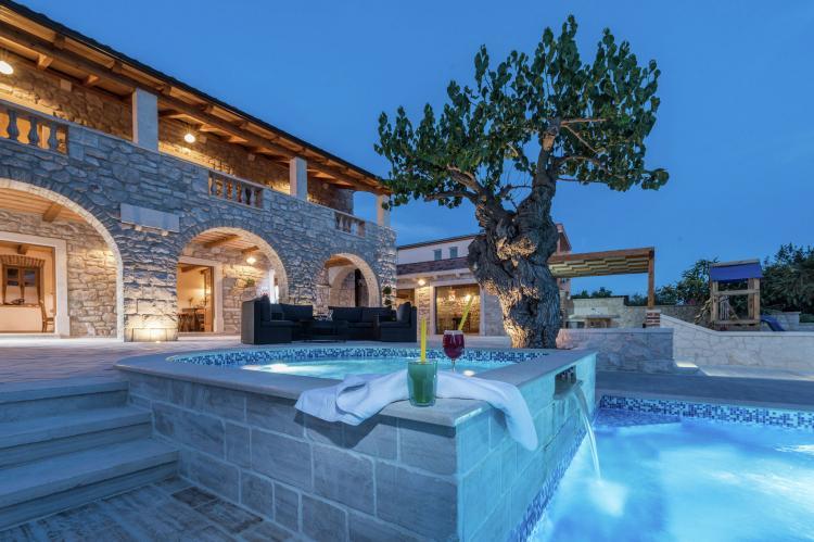 VakantiehuisKroatië - Noord Dalmatië: Villa Dumina  [4]