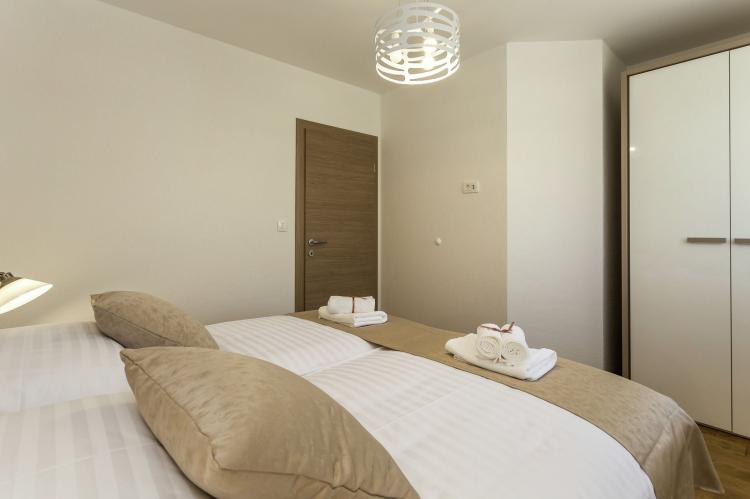VakantiehuisKroatië - Midden Dalmatië: Villa Rusula first floor apartment A3  [15]