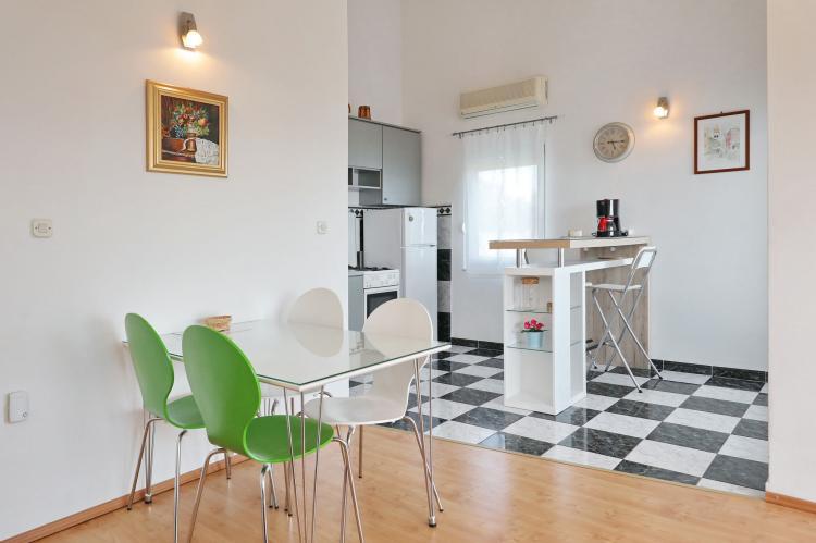 Holiday homeCroatia - Northern Dalmatia: Apartment  Dajana  [12]