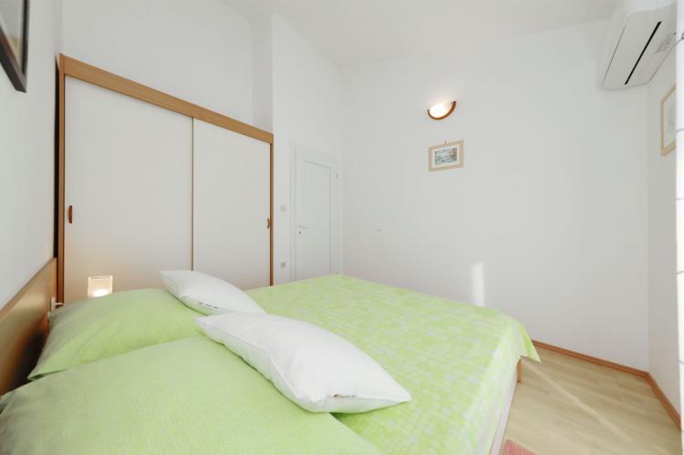 Holiday homeCroatia - Northern Dalmatia: Apartment  Dajana  [20]