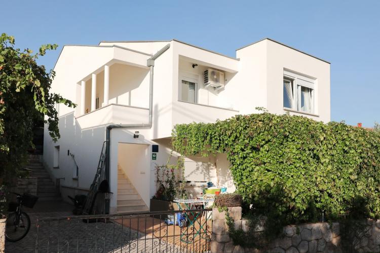 Holiday homeCroatia - Northern Dalmatia: Apartment  Dajana  [2]