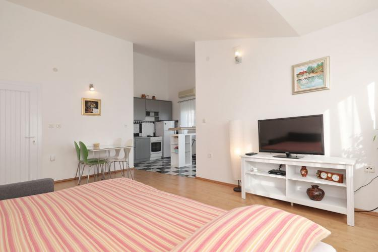 Holiday homeCroatia - Northern Dalmatia: Apartment  Dajana  [10]