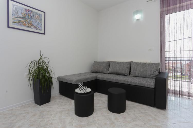 Holiday homeCroatia - Central Dalmatia: Apartment Carmen  [6]