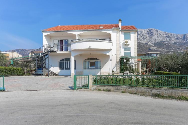 Holiday homeCroatia - Central Dalmatia: Apartment Carmen  [2]