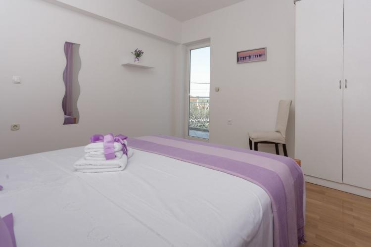 Holiday homeCroatia - Central Dalmatia: Apartment Carmen  [14]