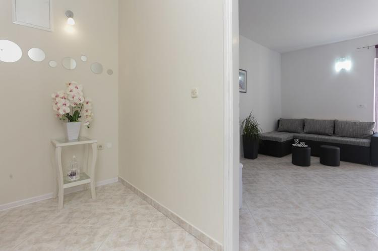 Holiday homeCroatia - Central Dalmatia: Apartment Carmen  [12]