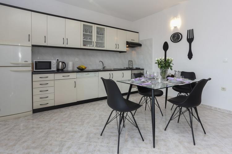 Holiday homeCroatia - Central Dalmatia: Apartment Carmen  [10]