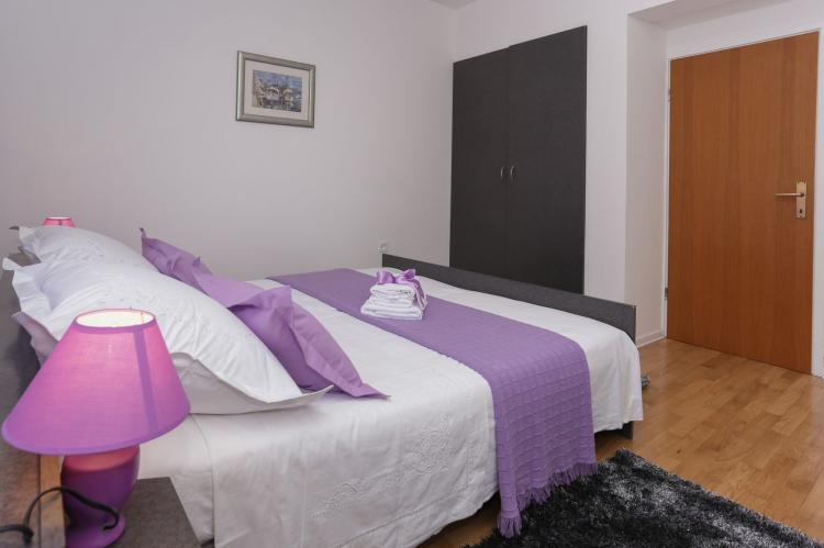 Holiday homeCroatia - Central Dalmatia: Apartment Carmen  [15]