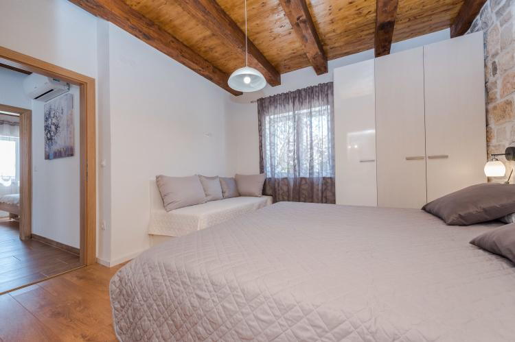 Holiday homeCroatia - Northern Dalmatia: Villa Sukosan  [22]