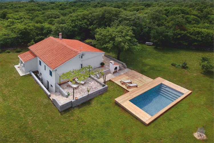 VakantiehuisKroatië - Kvarner: Unique Villa Majavec with Large Garden and Pool  [6]