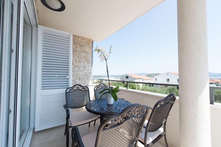 Holiday homeCroatia - Central Dalmatia: Apartment Čigrađa  [16]