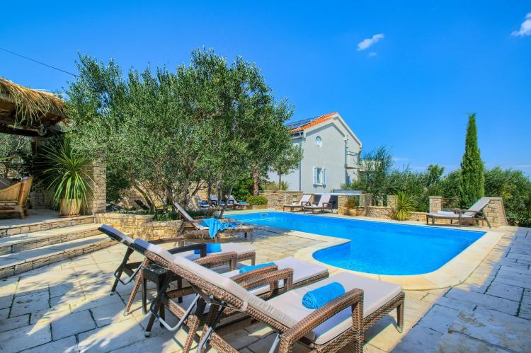 Holiday homeCroatia - Central Dalmatia: Apartment Čigrađa  [2]