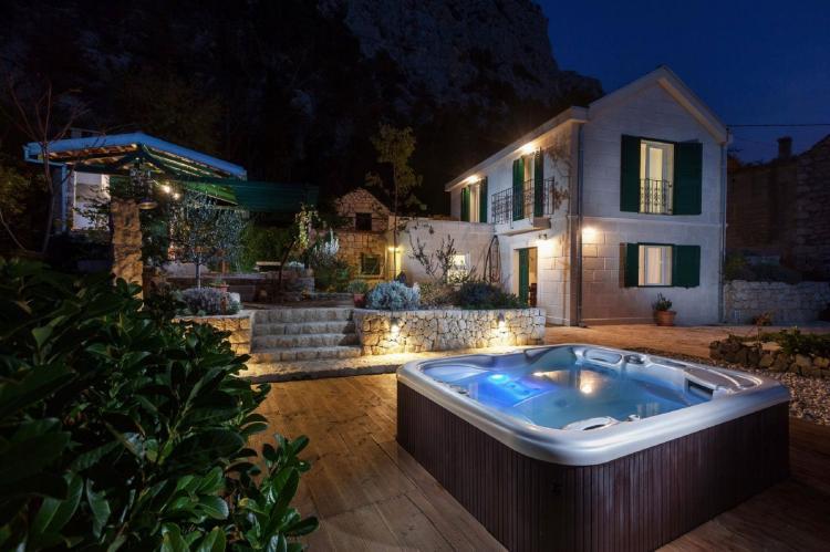 Holiday homeCroatia - Central Dalmatia: Villa Makar  [2]