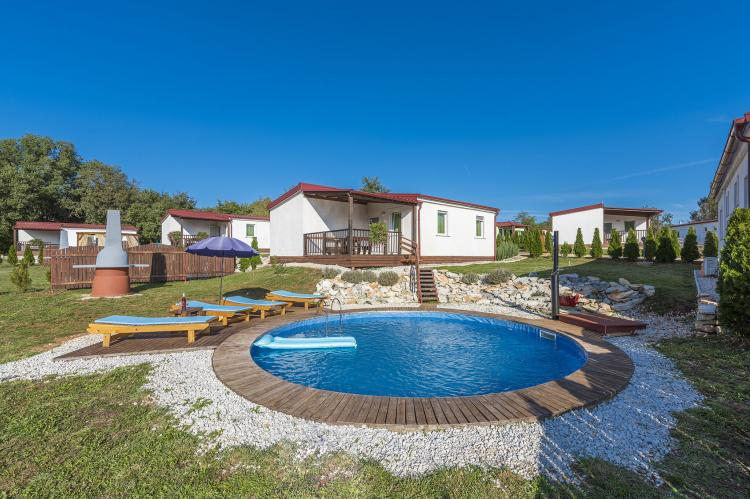 Holiday house with private pool No.7 in holiday pa