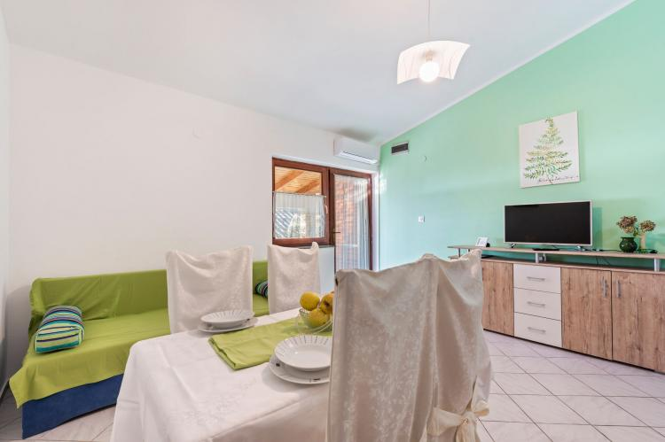 Holiday homeCroatia - Northern Dalmatia: Lovely green apartment Katarina  [7]