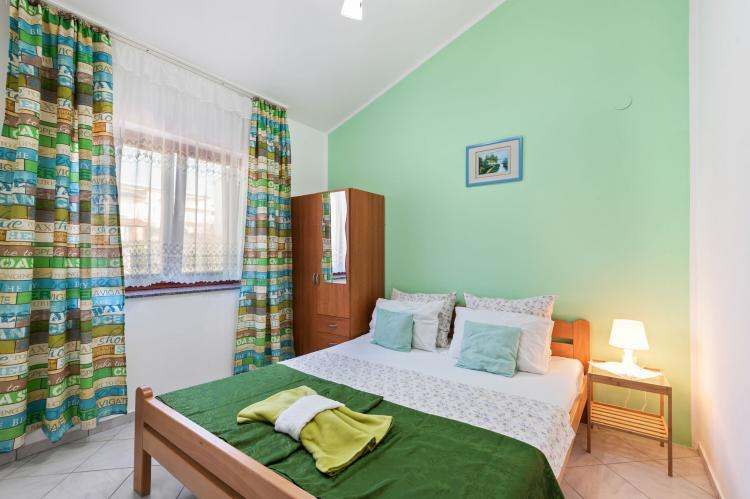 Holiday homeCroatia - Northern Dalmatia: Lovely green apartment Katarina  [1]