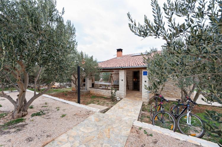 Holiday homeCroatia - Northern Dalmatia: Stone house Vrana lake  [4]