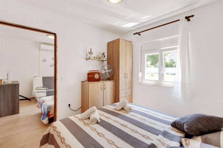 Holiday homeCroatia - Northern Dalmatia: Holiday home Rovanjska  [16]