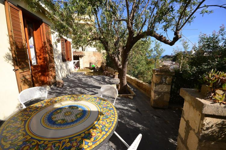 Holiday homeItaly - Sicily: Casa del Carrubo  [2]