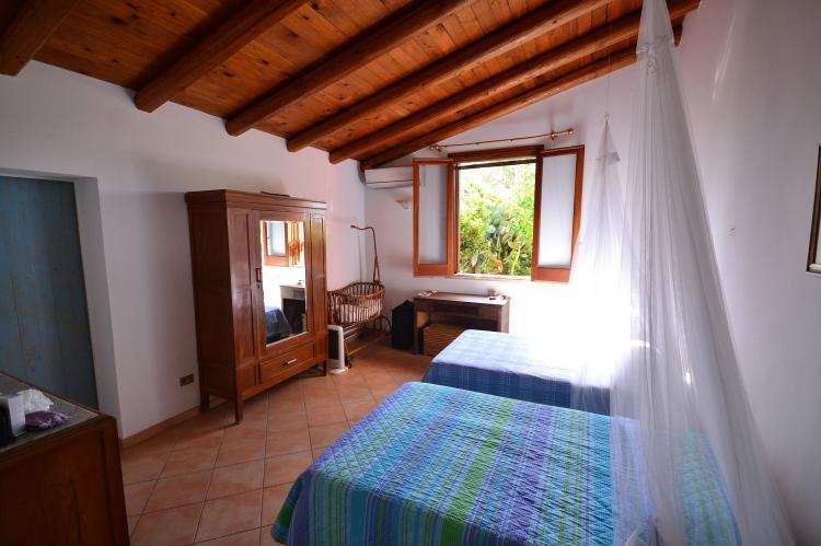 Holiday homeItaly - Sicily: Casa del Carrubo  [13]