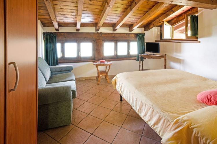 VakantiehuisItalië - Italiaanse Meren: Fienile Regoli Due  [10]