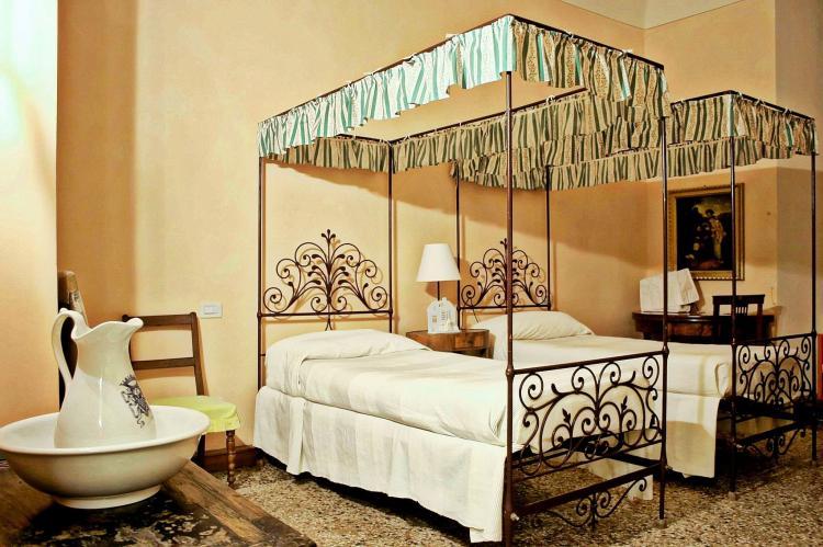 VakantiehuisItalië - Piëmonte: Castello Grimalda - Isnardo  [4]