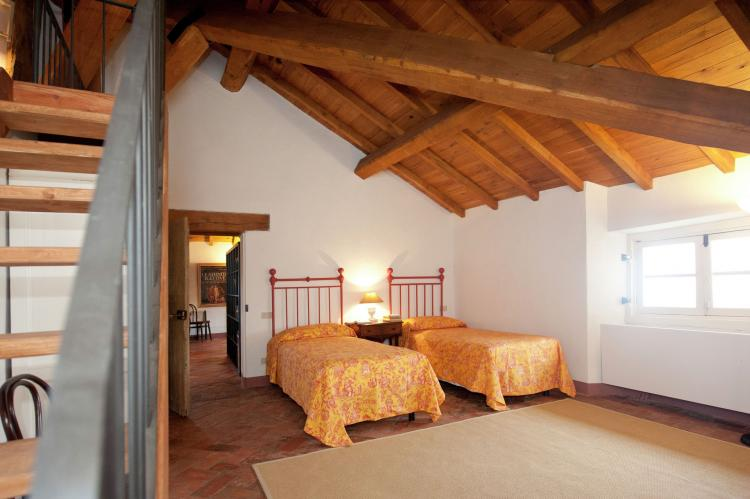 VakantiehuisItalië - Piëmonte: Castello Grimalda - Le Torrette  [4]