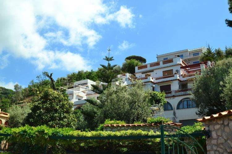 Holiday homeItaly - : Montano  [2]