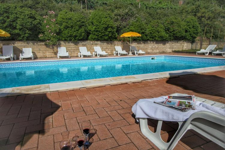 Holiday homeItaly - Umbria/Marche: Club House  [9]