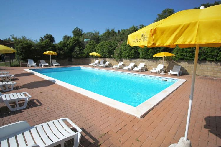 Holiday homeItaly - Umbria/Marche: Club House  [10]