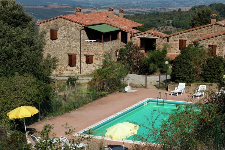 Holiday homeItaly - Umbria/Marche: Club House  [2]