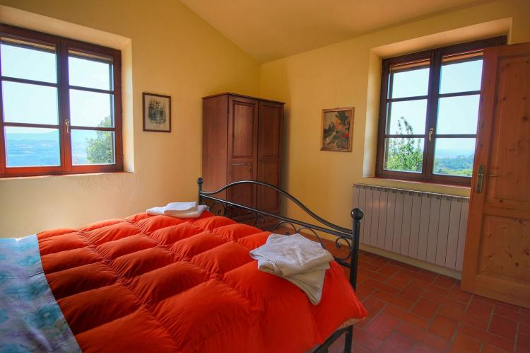 Holiday homeItaly - Umbria/Marche: Club House  [22]