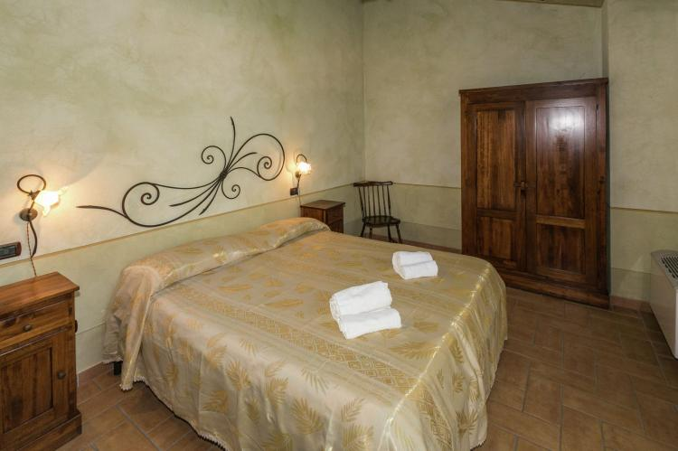 Holiday homeItaly - Umbria/Marche: La Roverella  [36]