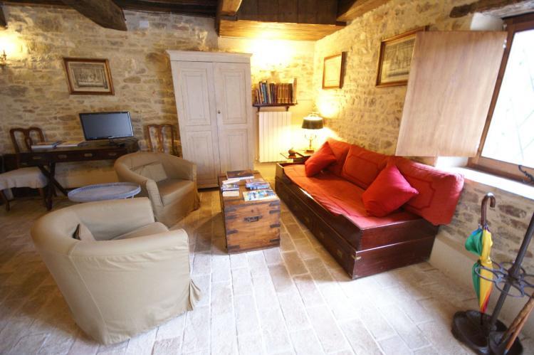 Holiday homeItaly - Umbria/Marche: Villa San Lorenzo  Appartamento dei Cavalieri  [10]