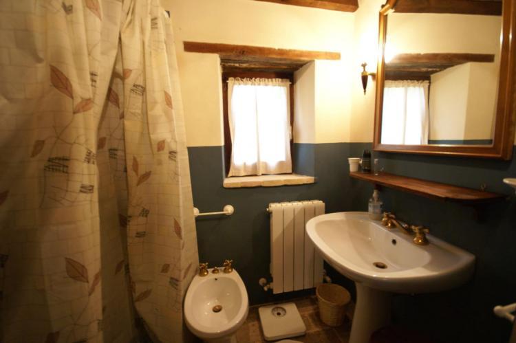 Holiday homeItaly - Umbria/Marche: Villa San Lorenzo  Appartamento dei Cavalieri  [17]