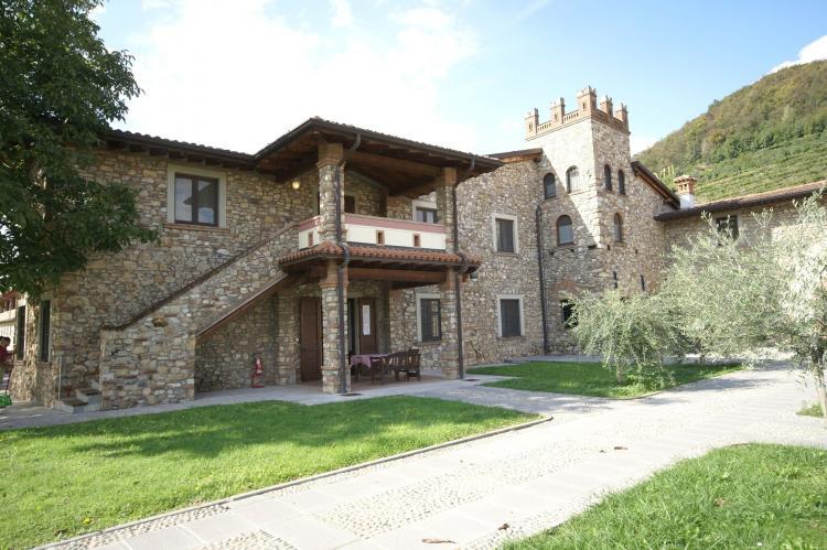 VakantiehuisItalië - Italiaanse Meren: Borgo Franciacorta 16  [2]