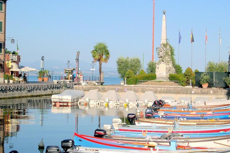 VakantiehuisItalië - Italiaanse Meren: Soleggiato Settimo Tre  [24]