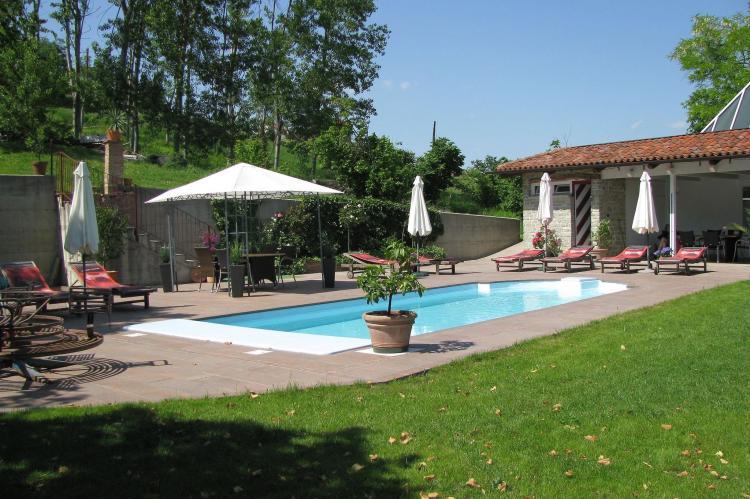 Holiday homeItaly - Piemonte: Carrù  [1]
